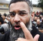Cómo Anjem Choudary se convirtió en uno de los hombres más peligrosos del Reino Unido sin empuñar un arma.